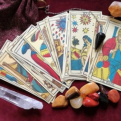 Расклады на Таро на ближайшее будущее на три и семь карт